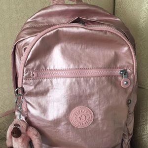 Rare Kipling backpack in icy rose metallic 💕
